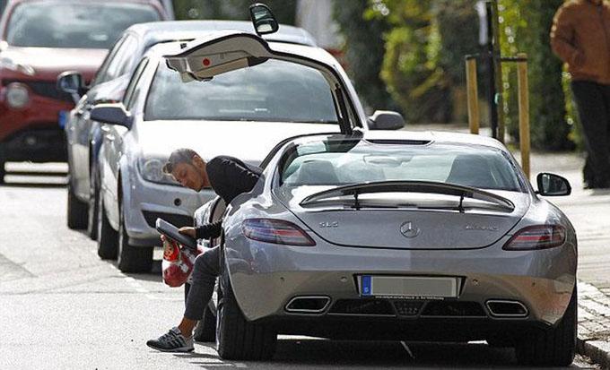 Siêu xe của Mesut Ozil, Mercedes AMG