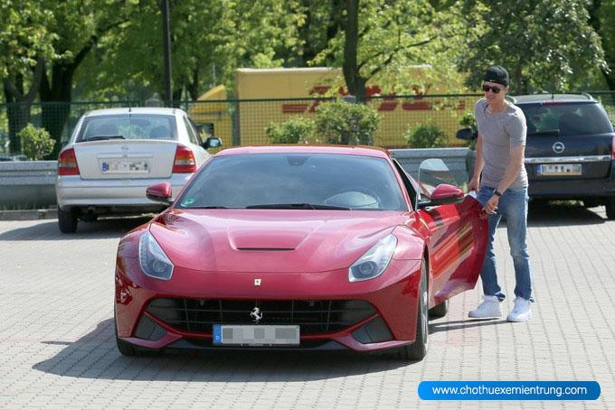 Siêu xe của Lewandowski, Ferrari F12 Berlinetta