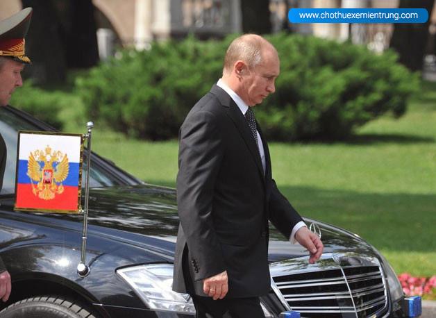 Siêu xe limousine mới của ông Putin sắp lăn bánh