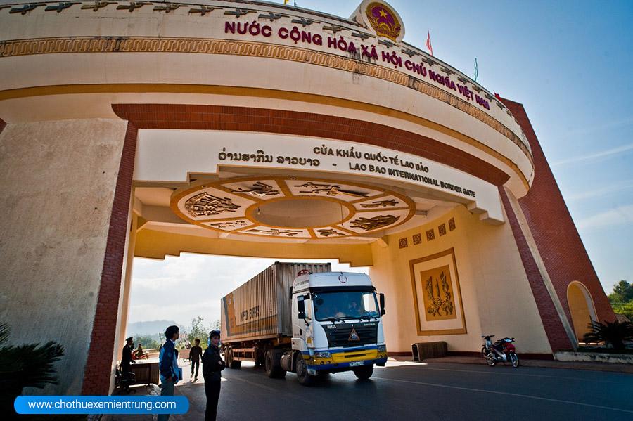 Thủ tục đi xe ô tô sang Lào Campuchia, cửa khẩu Lao Bảo