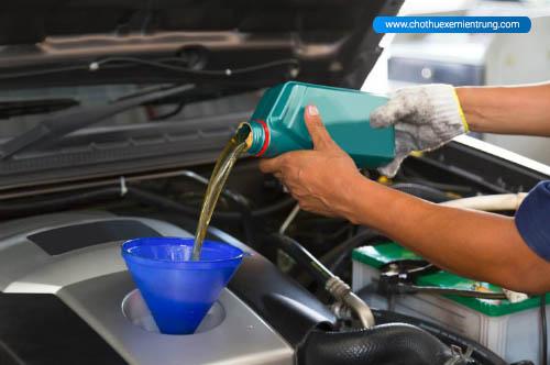 sai lầm khi sử dụng ô tô, kinh nghiệm thay dầu ô tô