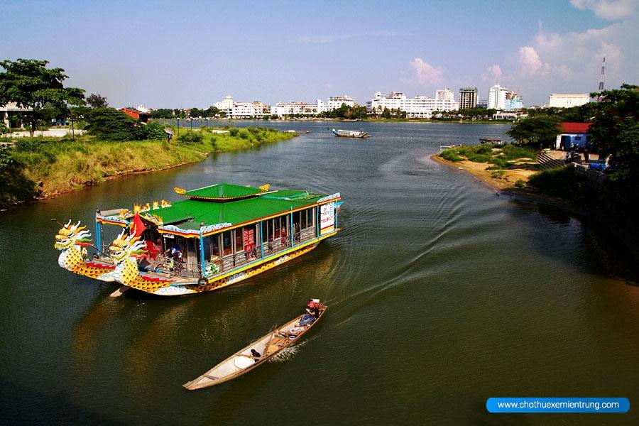 giá vé thuyền rồng trên sông hương huế