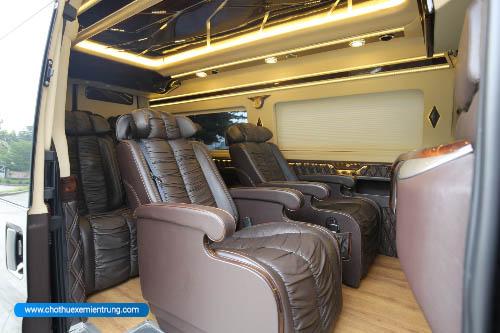 Thuê xe limousine bình dương