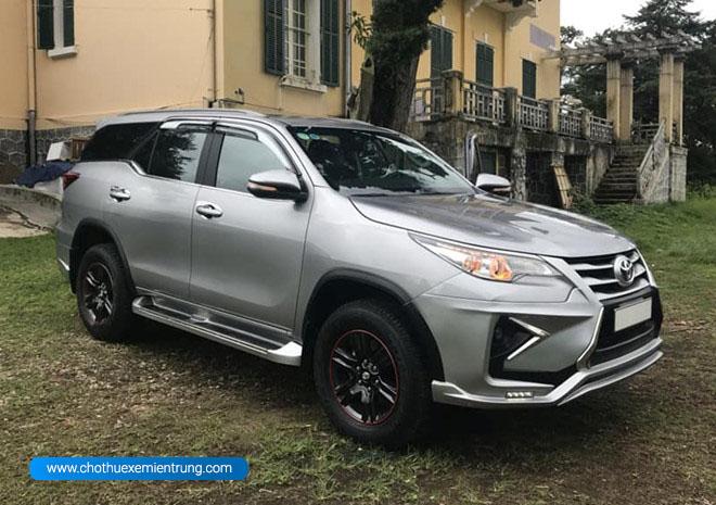 Giá Toyota Fortuner cũ được rao bán đắt hơn xe mới