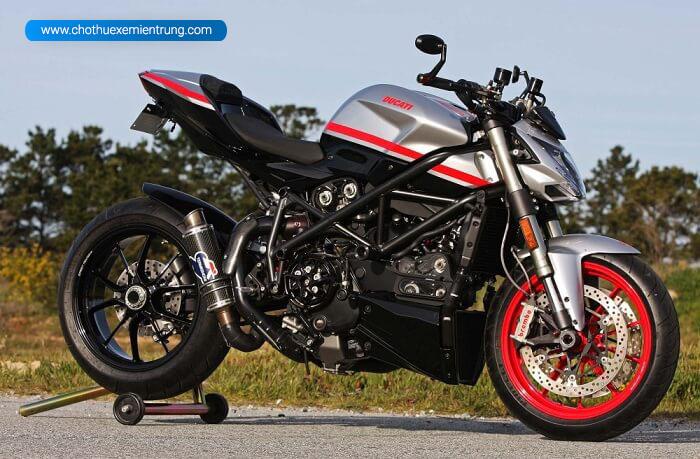 Các loại xe môtô, Ducati Street Fighter