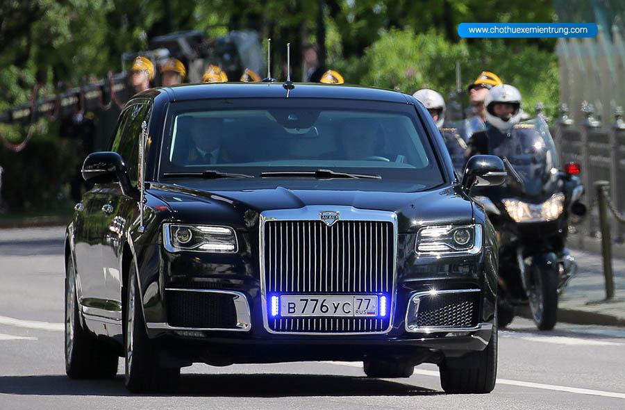 Xe limousine Cortege của ông Putin đến Phần Lan
