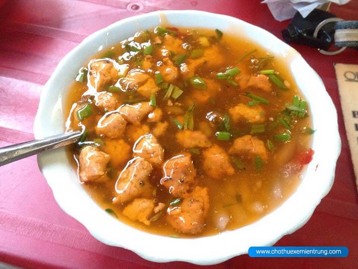 Món ăn ngon ở Huế, ăn bánh canh Nam Phổ ở đâu