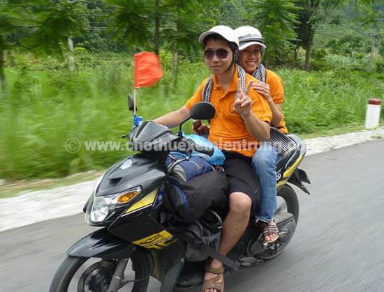 Đi Huế chơi bằng xe máy