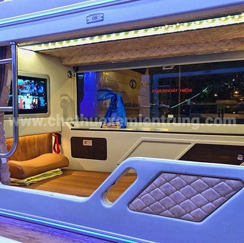 Xe Limousine Sài Gòn đi Đà Lạt, thành bưởi
