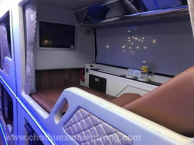 Xe Thành Bưởi Limousine giường nằm Sài Gòn