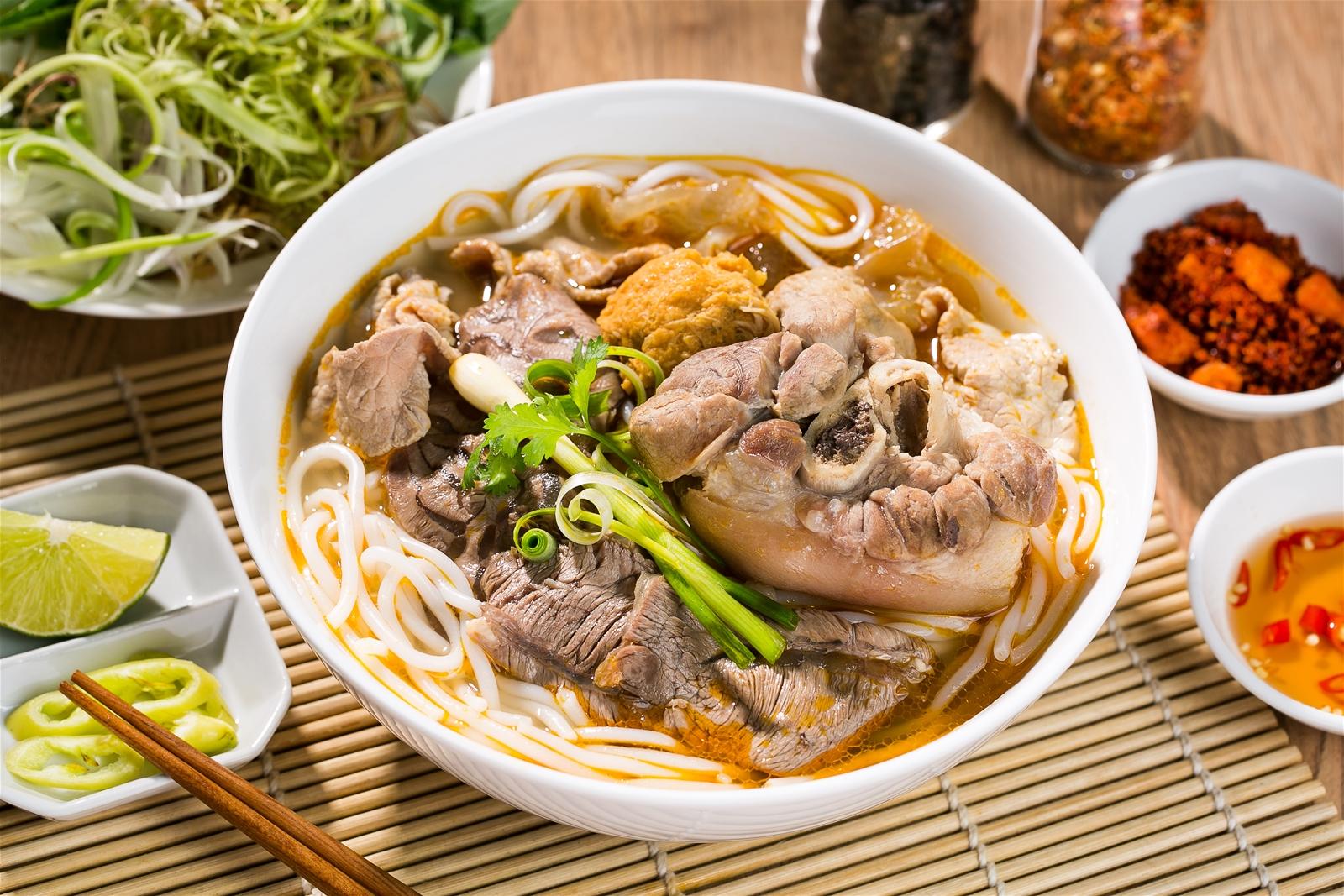 Khám phá ẩm thực xứ Huế